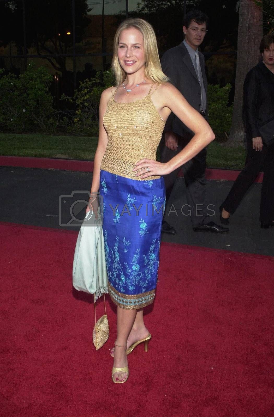 Julie Benz at the Planet Hope Gala hosted by Sharon and Kelly Stone in Woodland Hills. 08-07-00