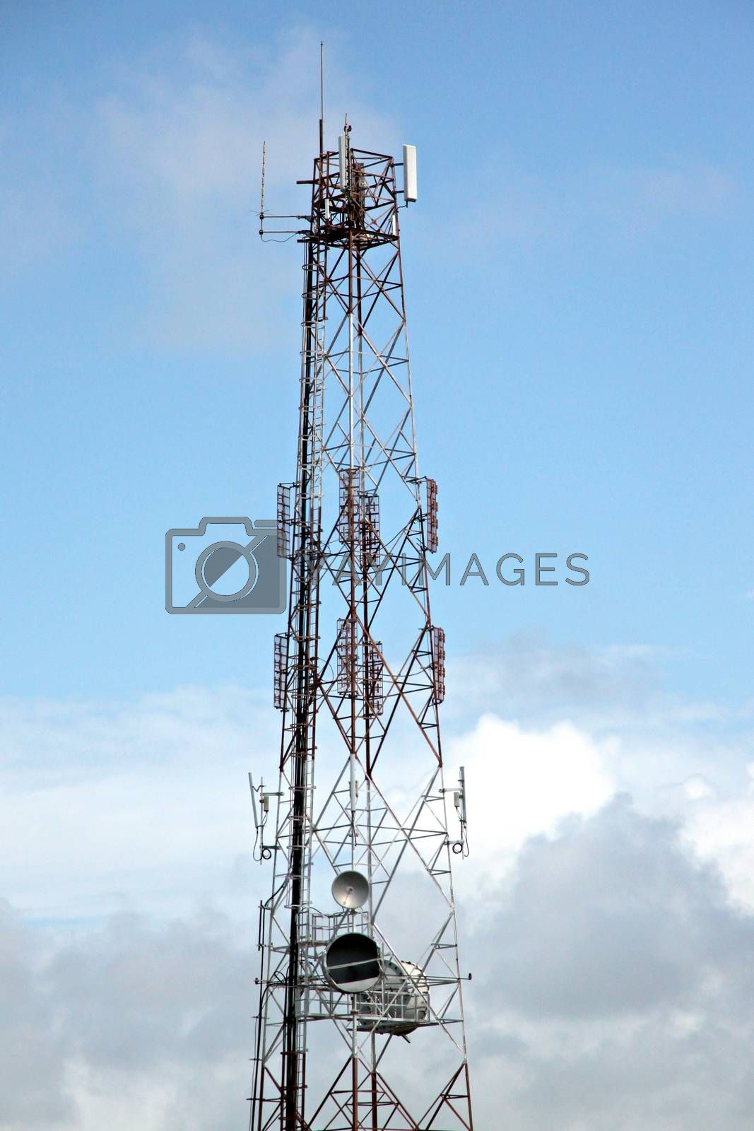 Antenna array telephone. by PiyaPhoto