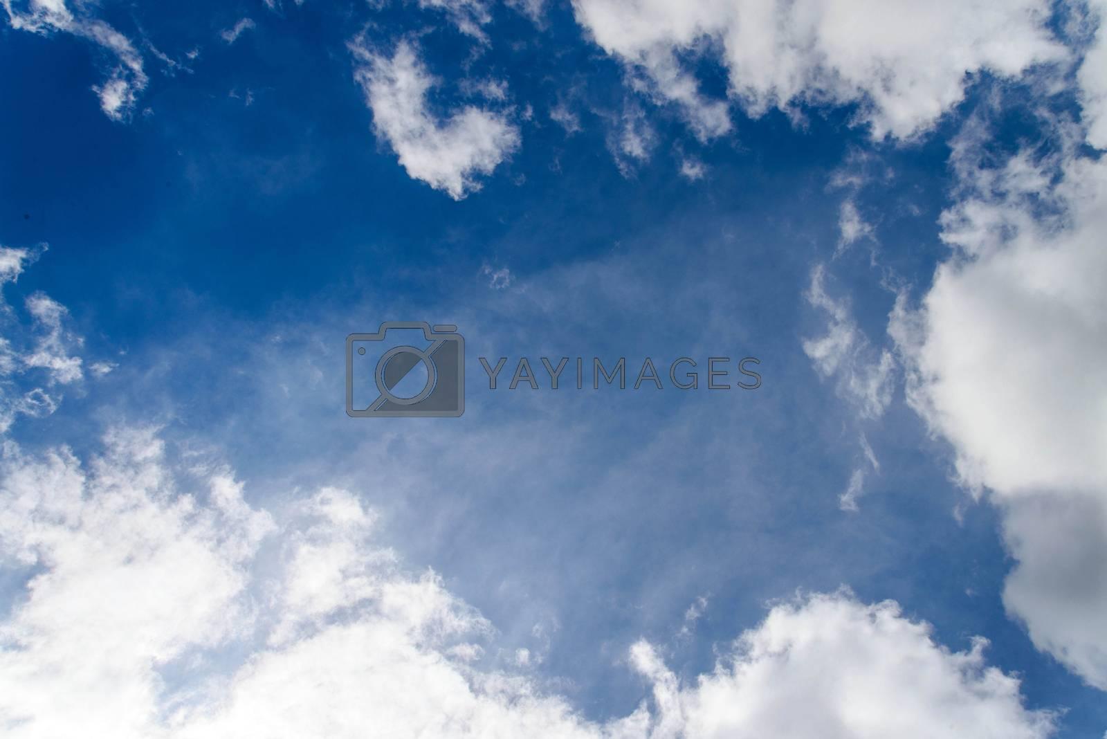 Dark blue sky by jakgree
