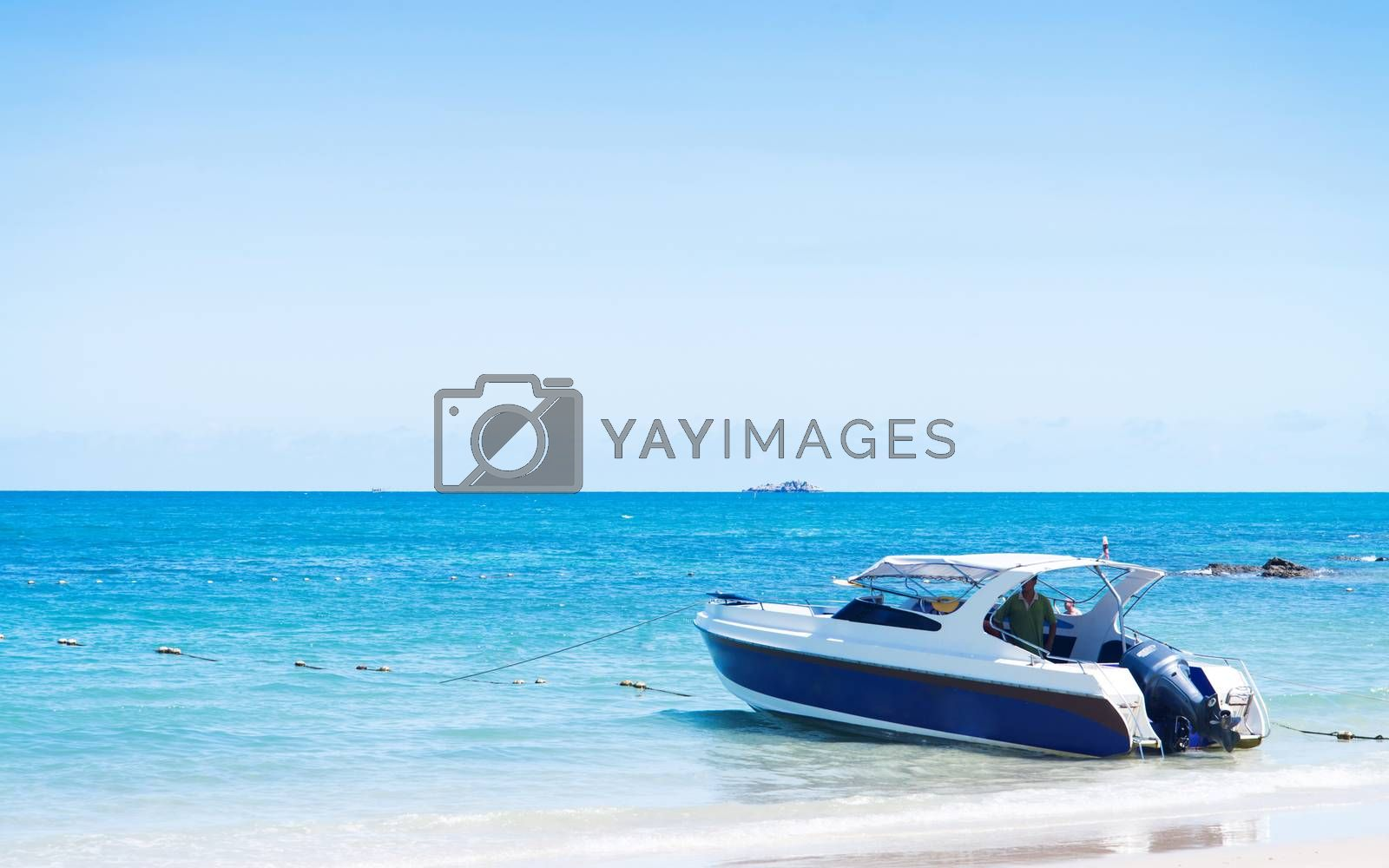 Speed boat in the summer by jakgree