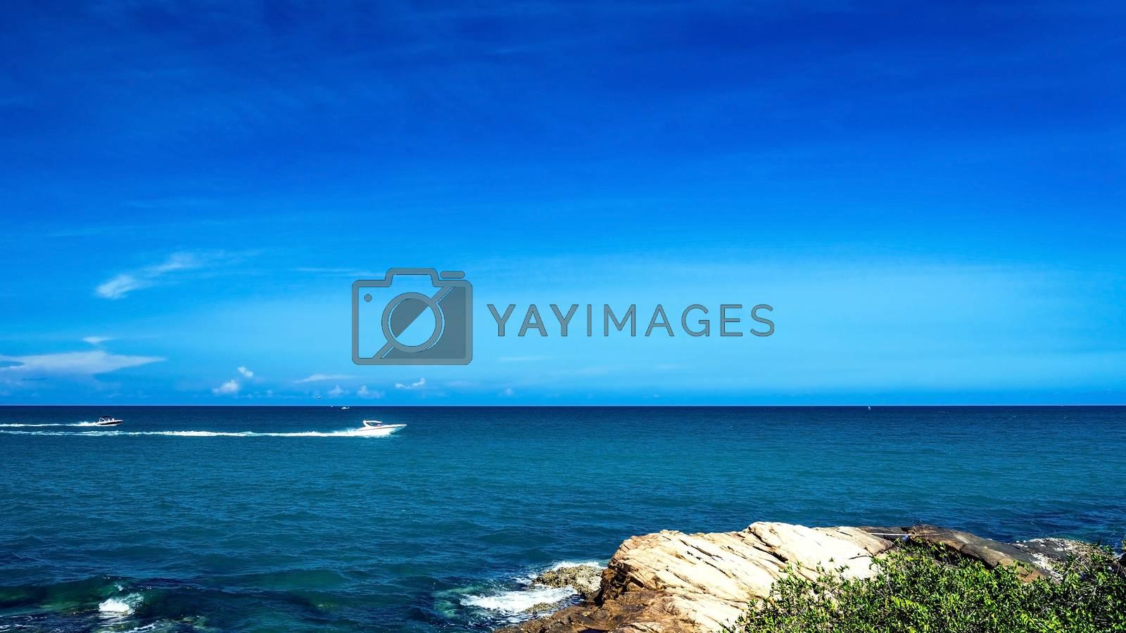 power boating on sea  by jakgree