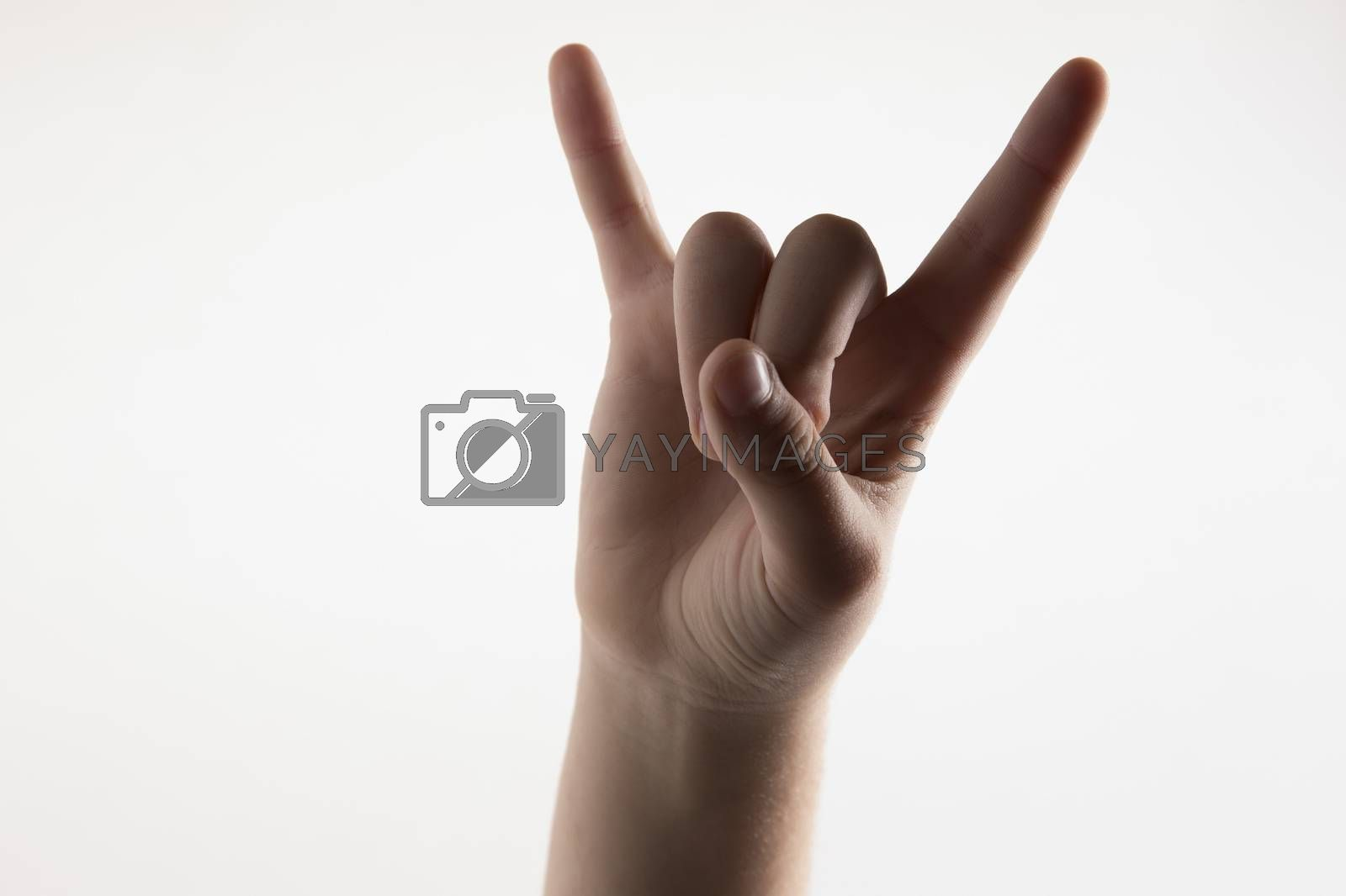 Horns with fingers