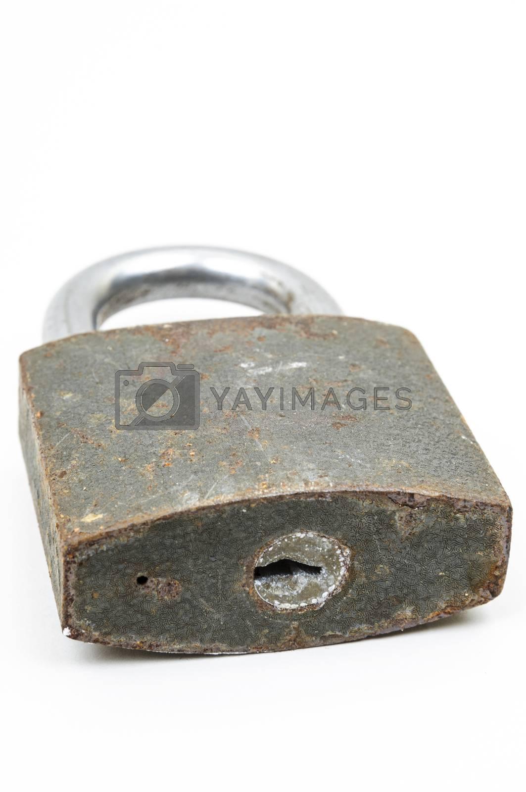 rusty padlock by emirkoo