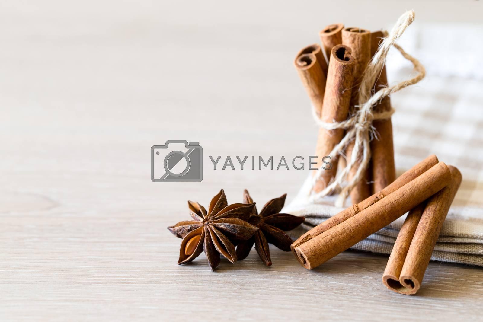 anise and cinnamon by Pakhnyushchyy