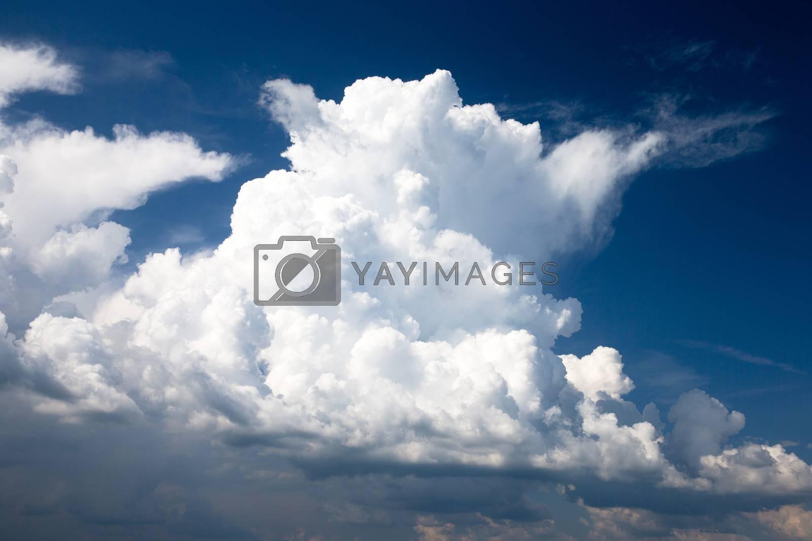 sky by Pakhnyushchyy