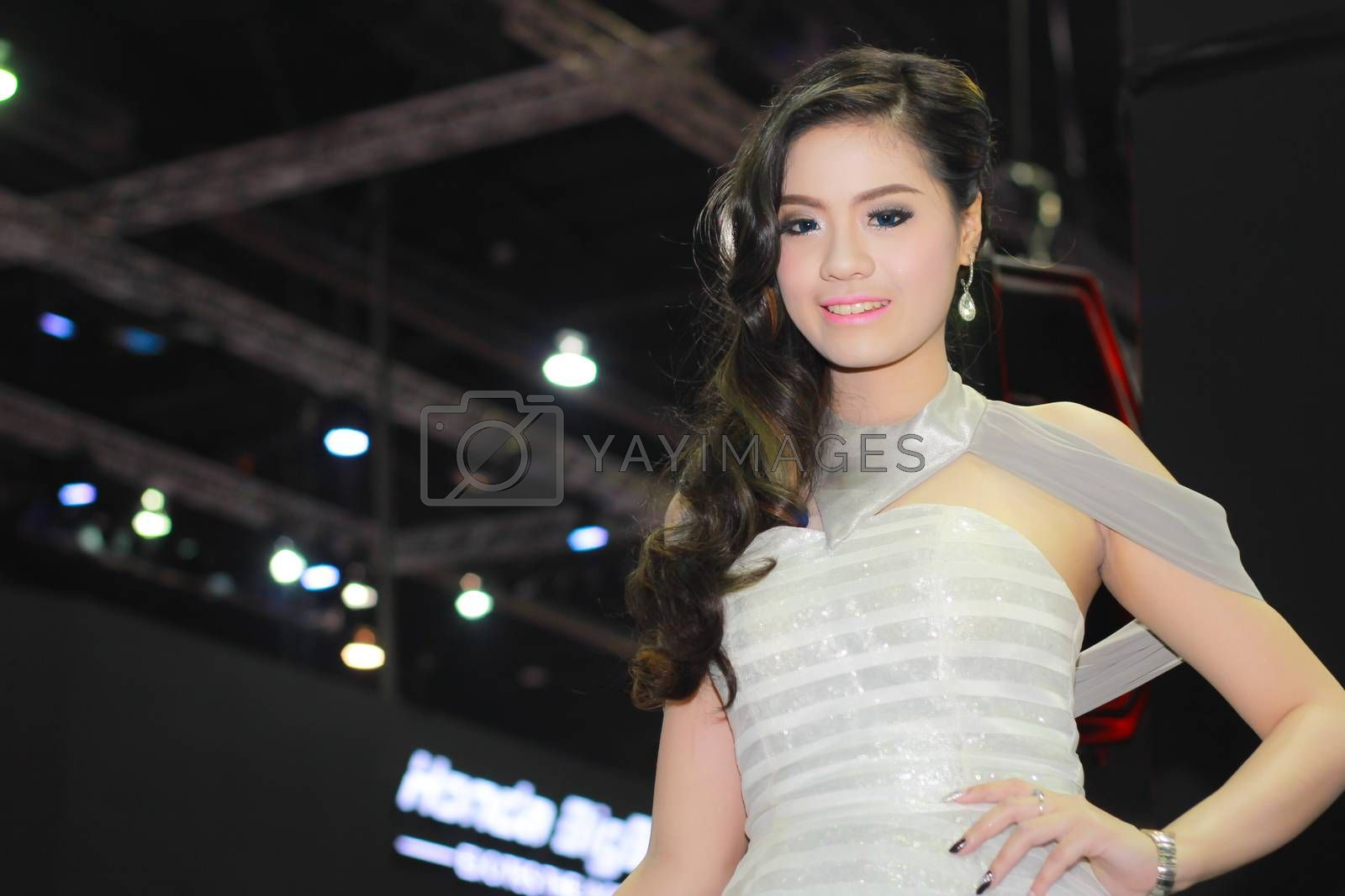 An Unidentified female presenter pose in Bangkok International Motor Show by redthirteen
