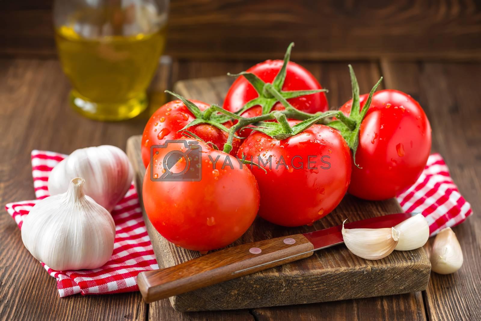 Tomatoes by yelenayemchuk