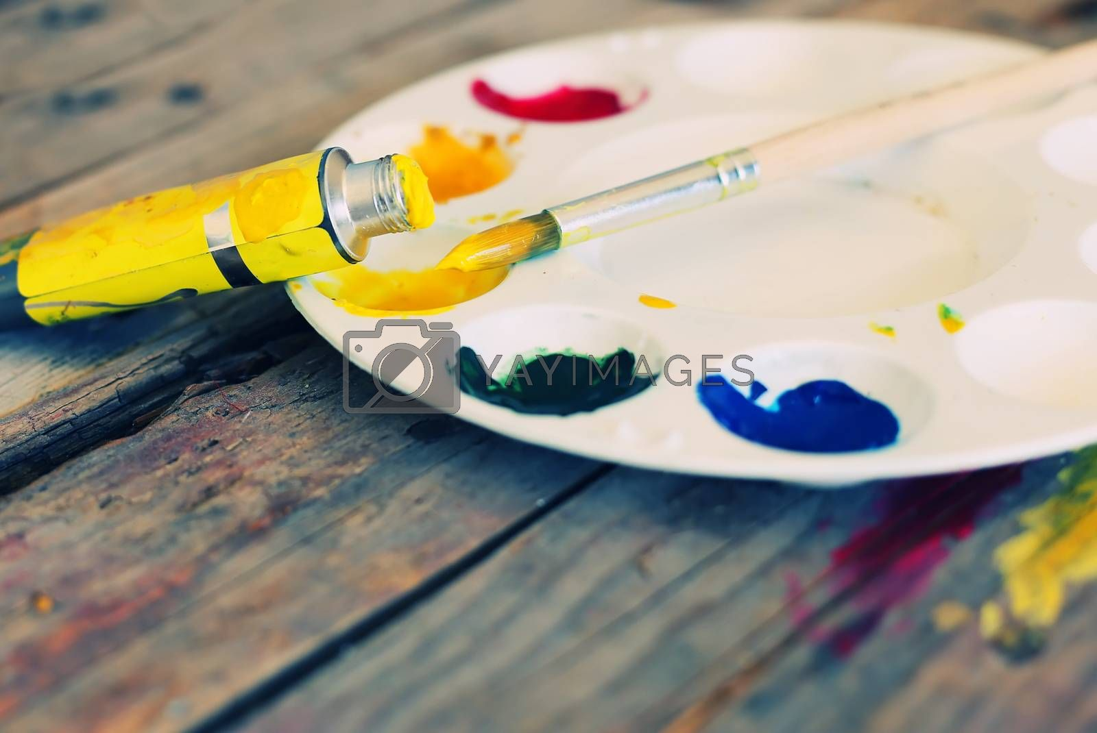 Photo of  brush mixed paint on the palette