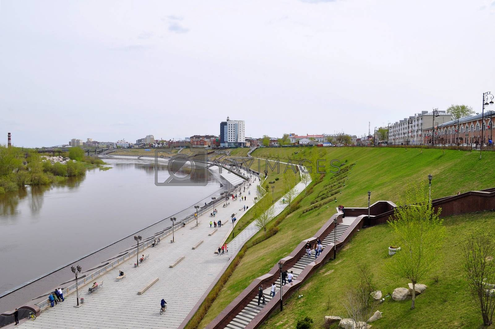 The embankment in Tyumen. Spring flood of the Tura River. by veronka72