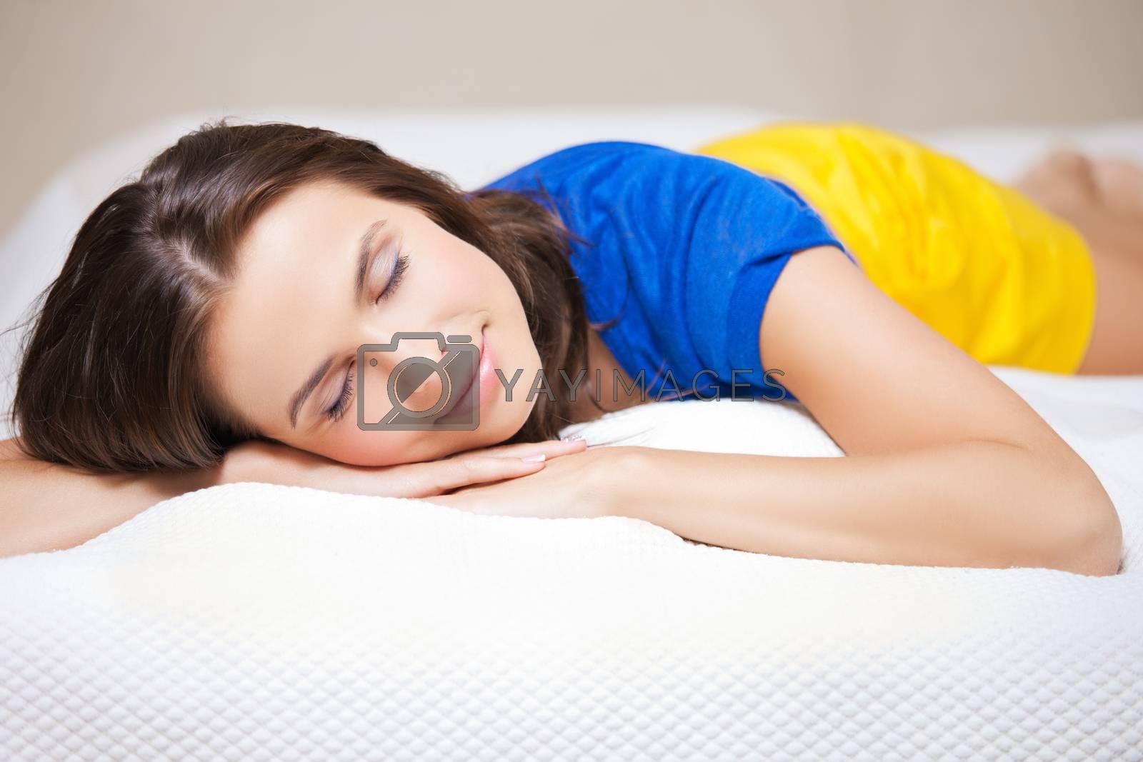 sleeping woman by dolgachov