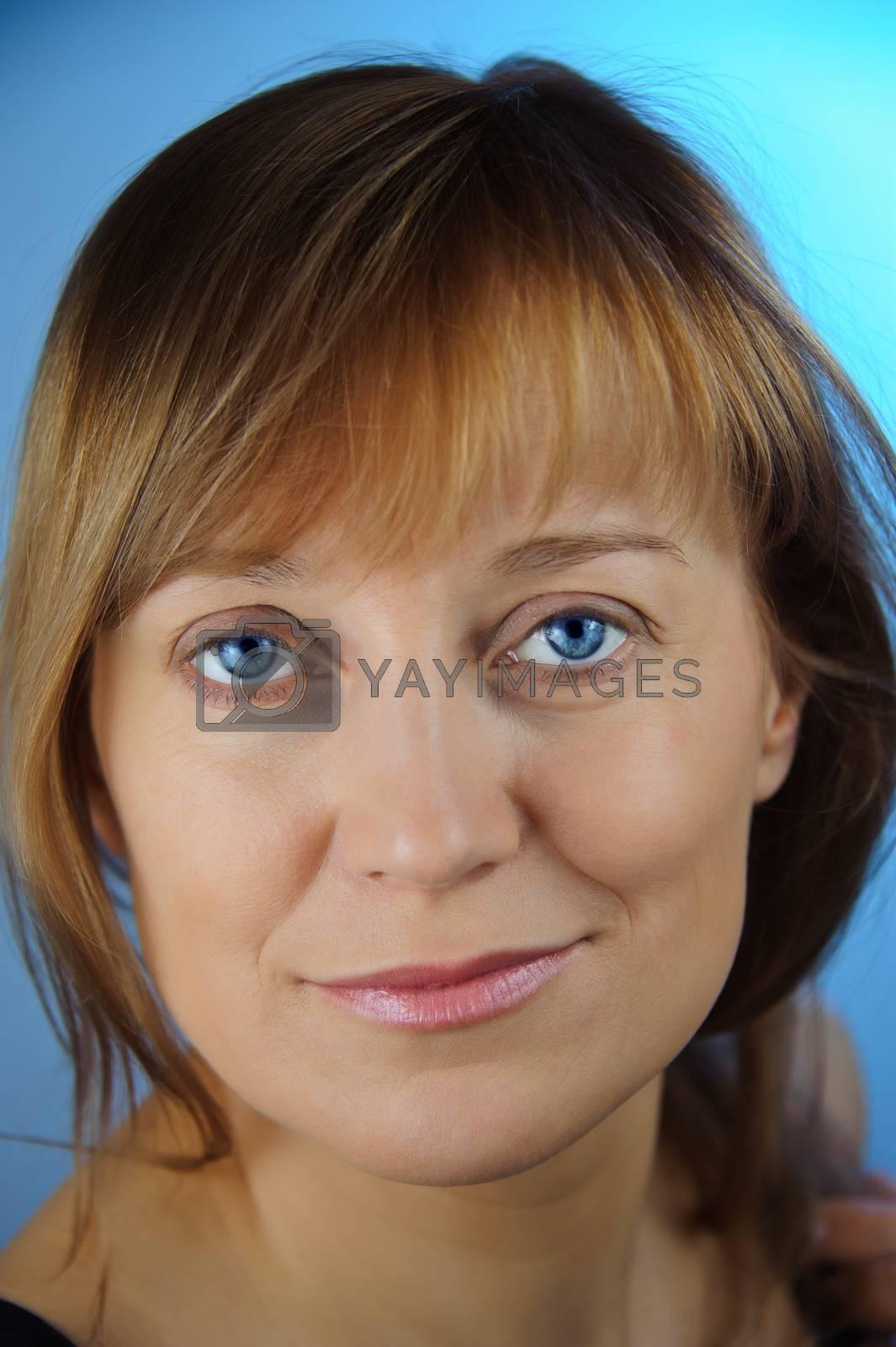 Blue-eyed women. by bashta