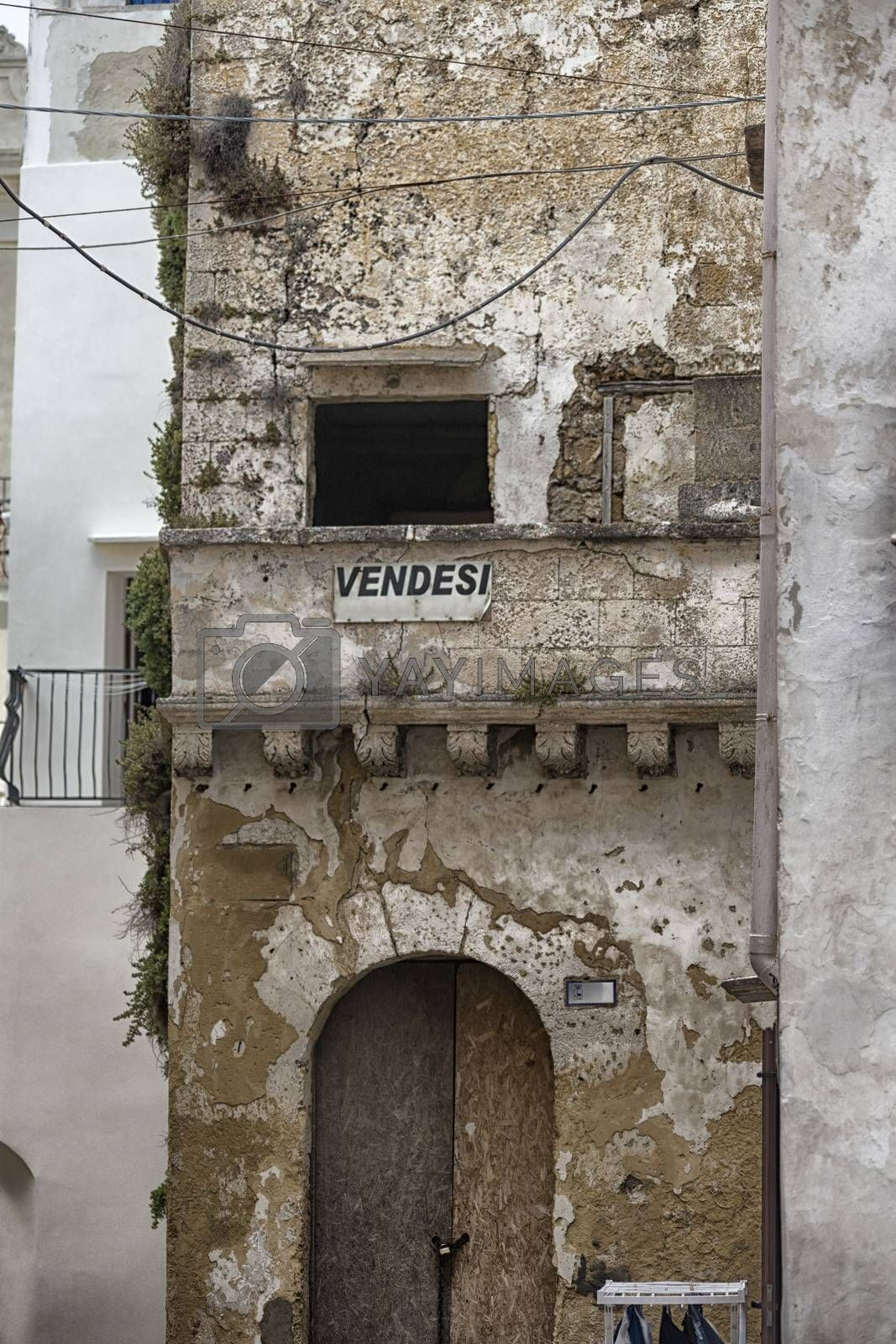 On Sale house in the old town of Gallipoli (Le)) in the southern of Italy