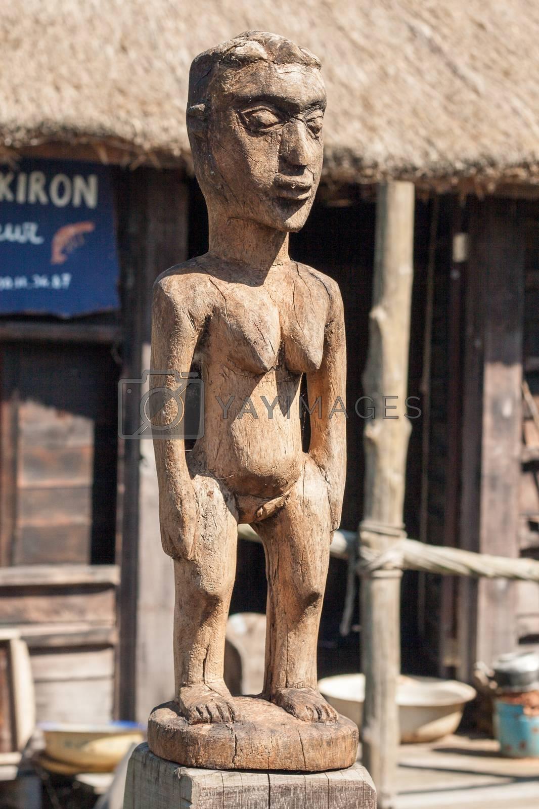african handcraft wood carved people figures