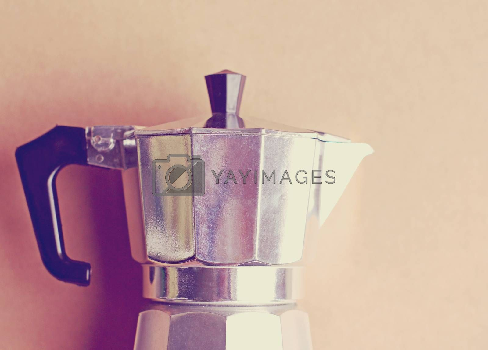 Italian coffee maker with retro filter effect