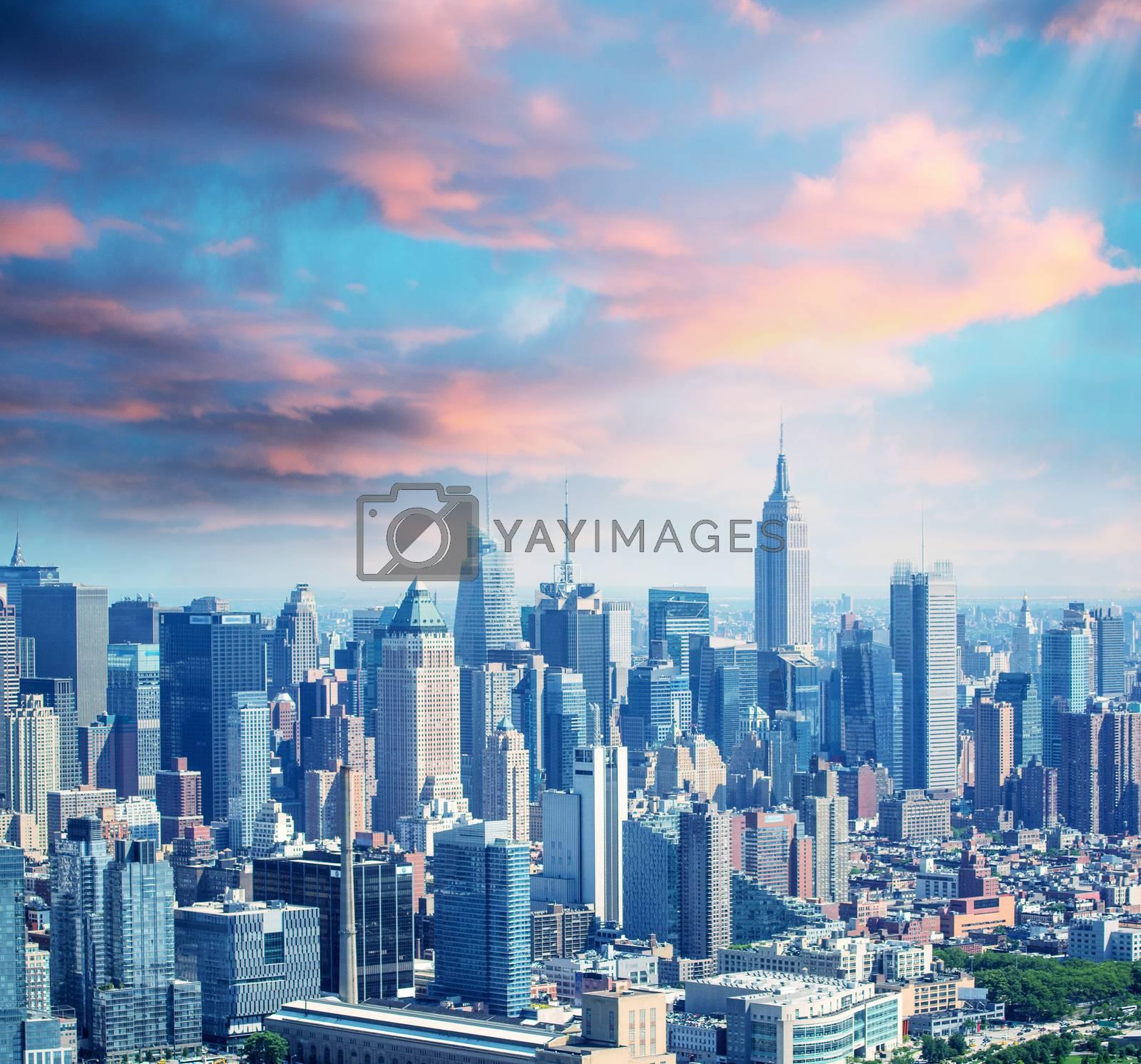 New York skyline by jovannig