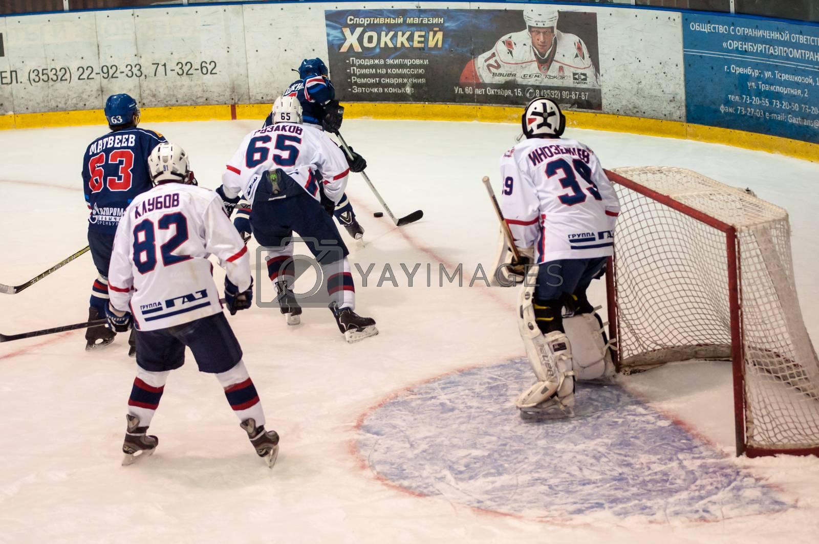 ORENBURG, ORENBURG region, RUSSIA, 19 October, 2014 year. Junior Hockey League championship match Junior-Gazprom dobycha Orenburg (Orenburg) - Torpedo (Nizhny Novgorod)