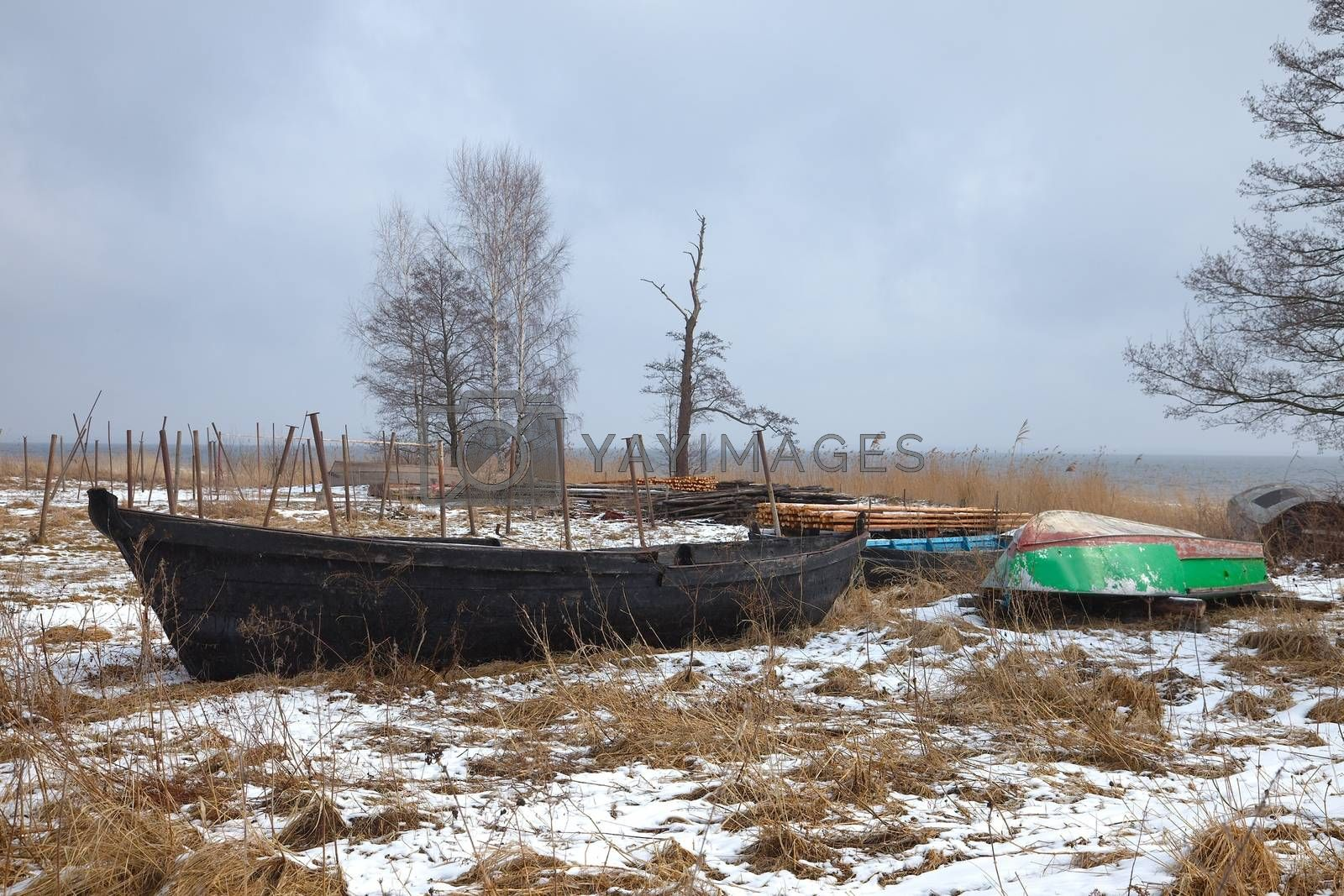 Boats on the hore in winter