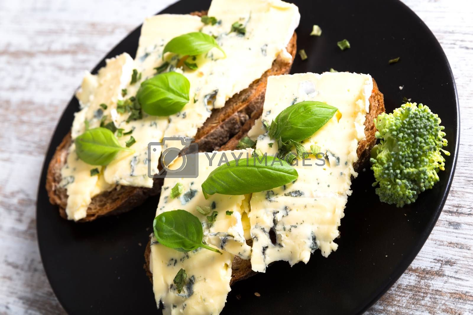 Sandwiches with Roquefort cheese by Spectral