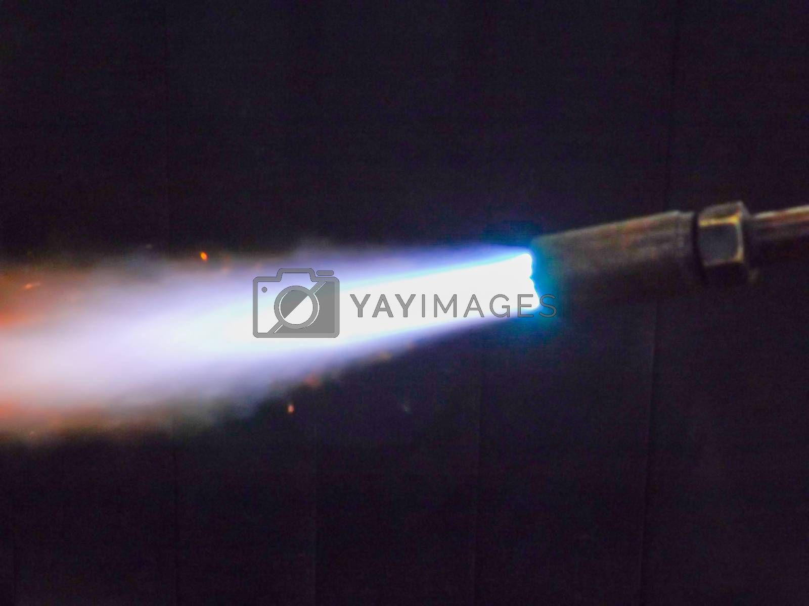 Gas cutting flame