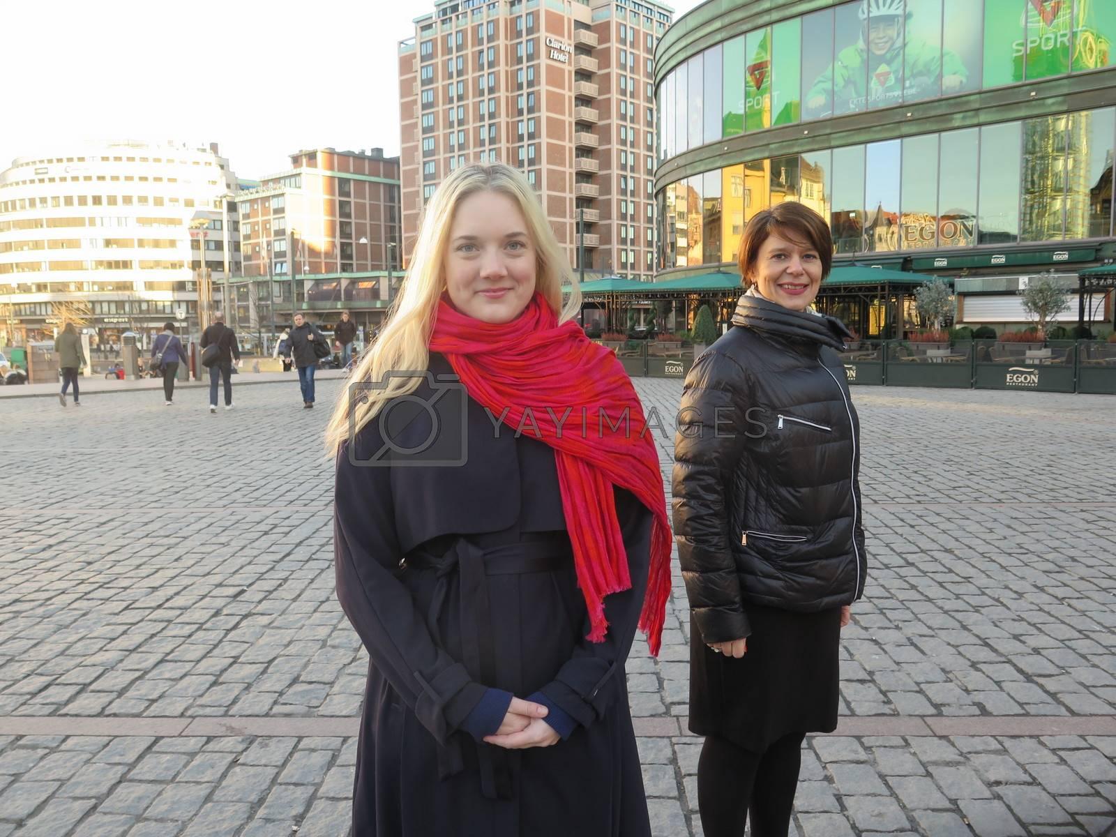 Aina Stenersen (Frp) og Tone Tellevik Dahl (Ap) by camilla.svendsen@nettavisen.no