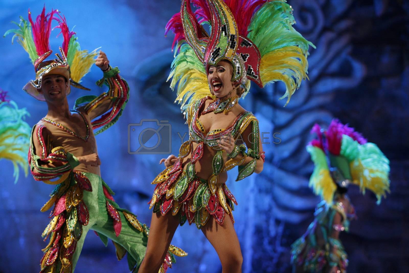 Eine Frau am Karneval von Las Palmas der Hauptstadt der insel Gran Canaria auf den Kanarischen Inseln im Atlantischen Ozean, Spanien.