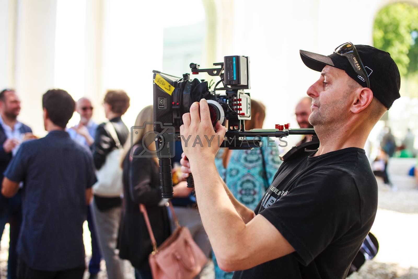 Cameraman by bepsimage