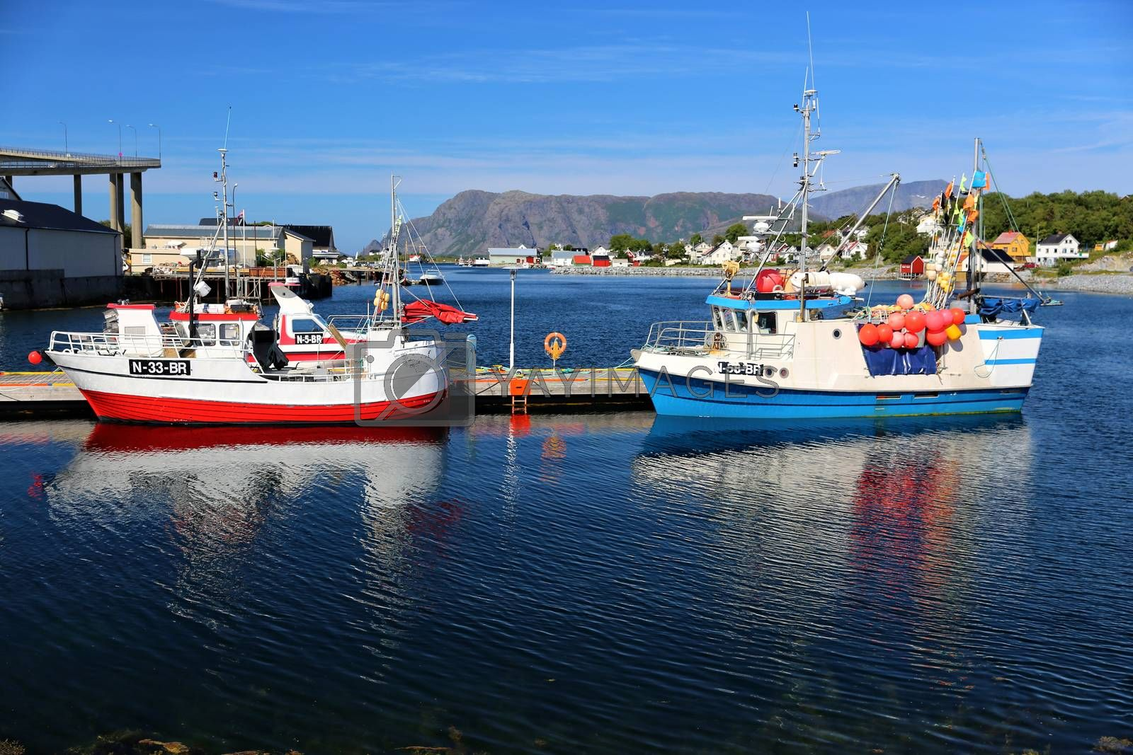 Fiskebåter i havn i Brønnøysund