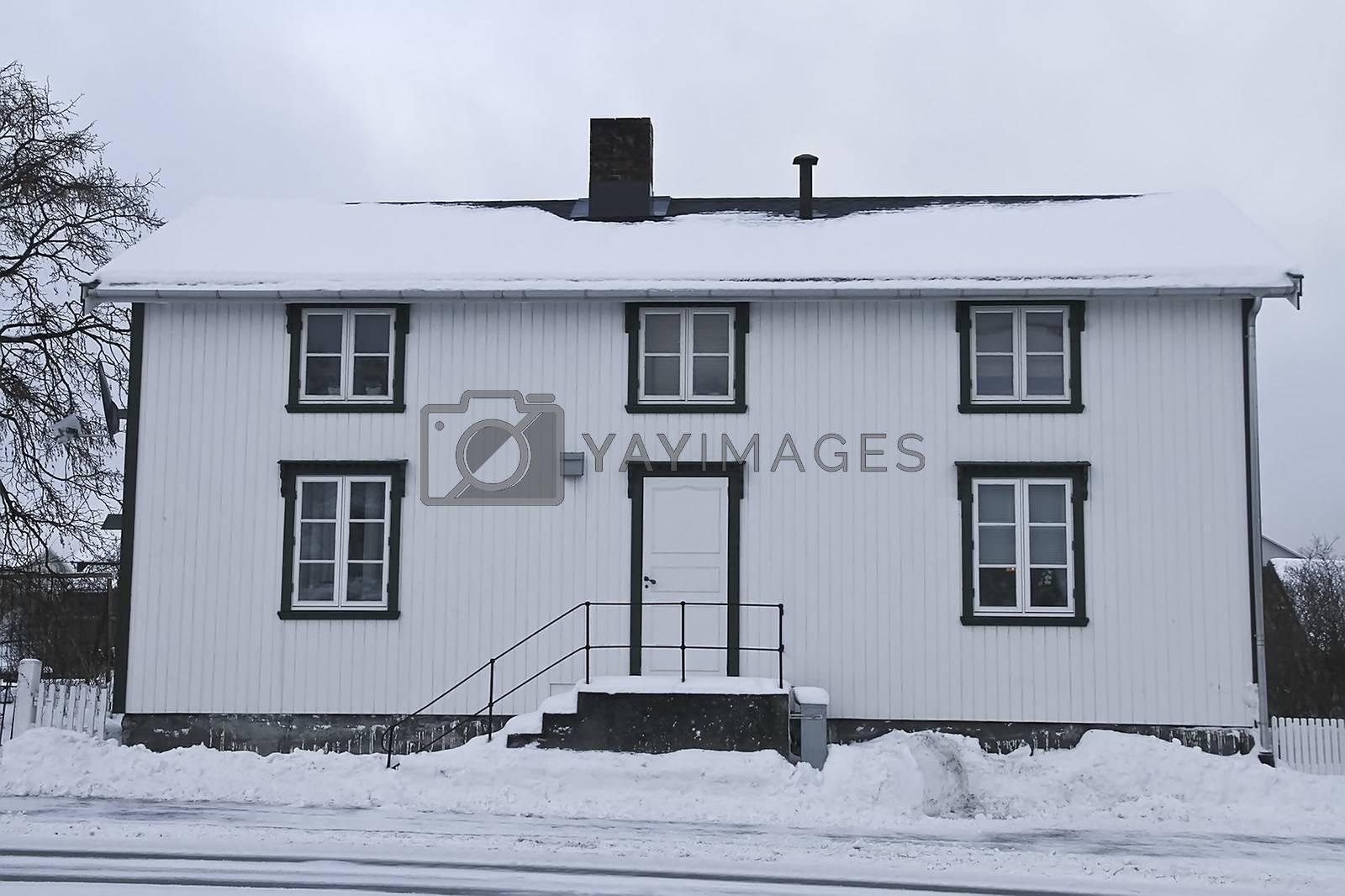 Gammelt hus i Brønnøysund sentrum