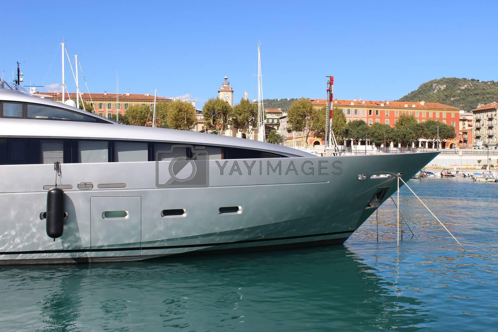 Luxury Yacht in Nice by bensib