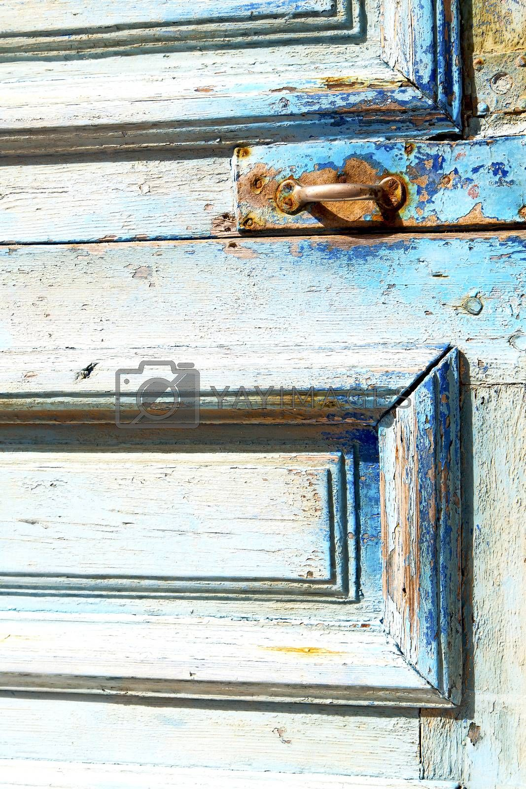 metal rusty  brown    morocco in africa the old blue by lkpro