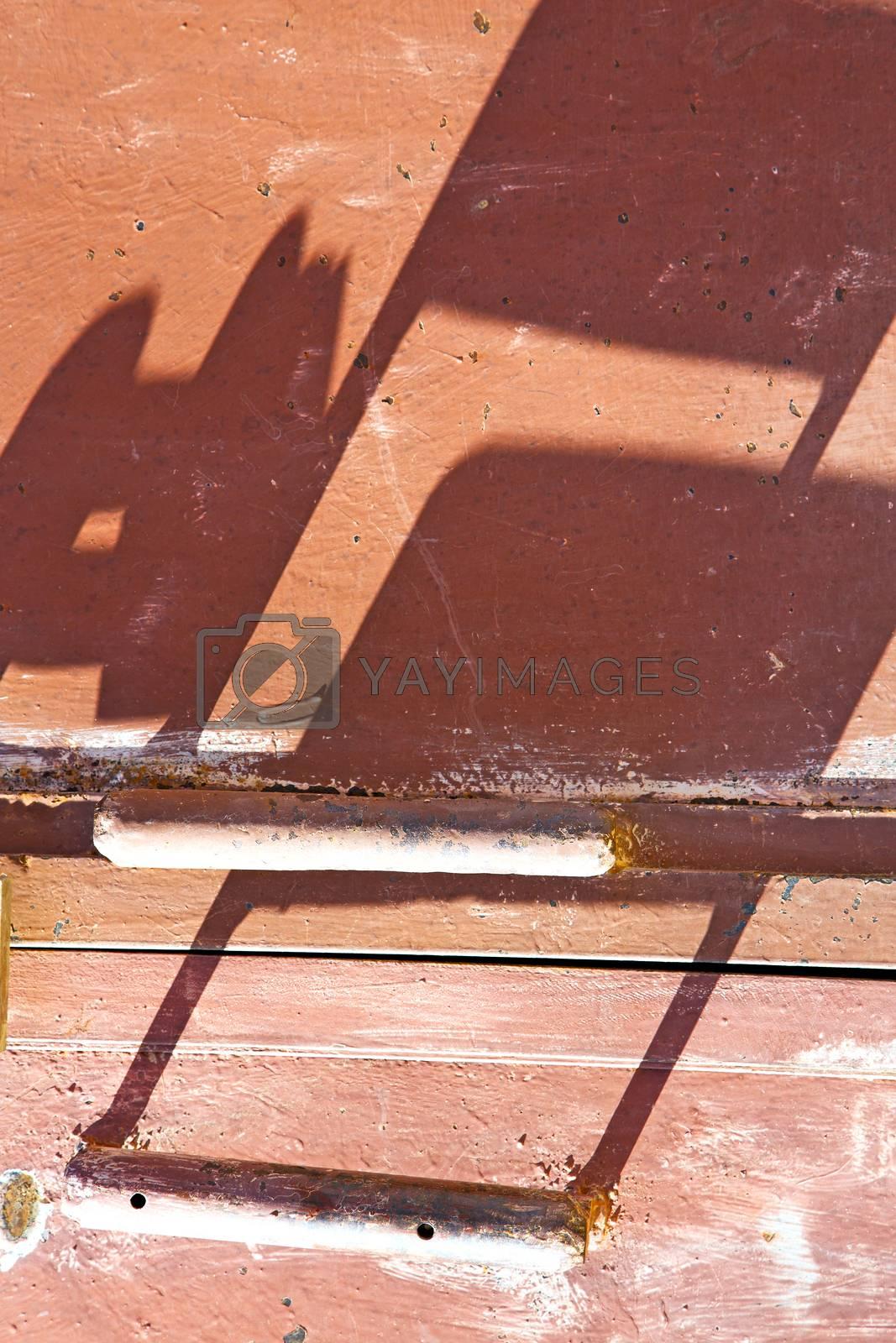 metal rusty  brown    morocco in red  wood   safe padlock  by lkpro