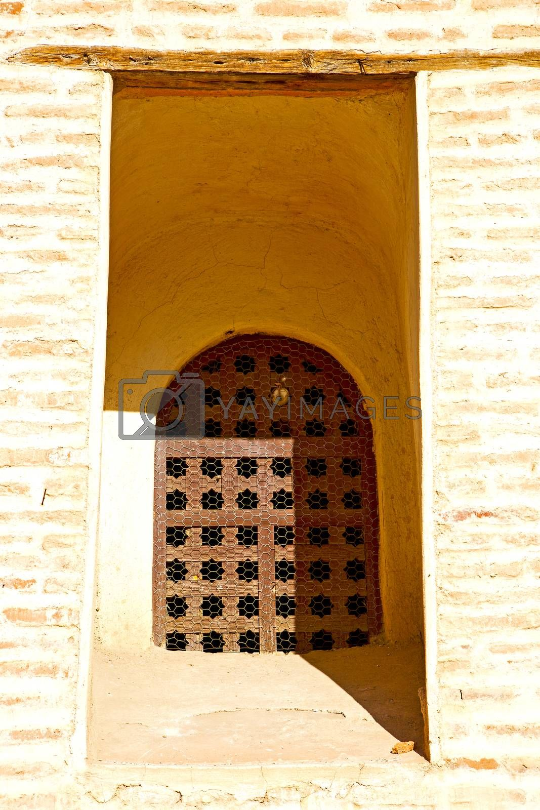 window in   africa   old construction wal brick   by lkpro