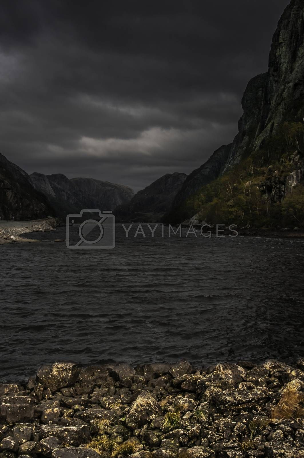 Høst i Gyadalen. by vidar.fredheim@dabb.no