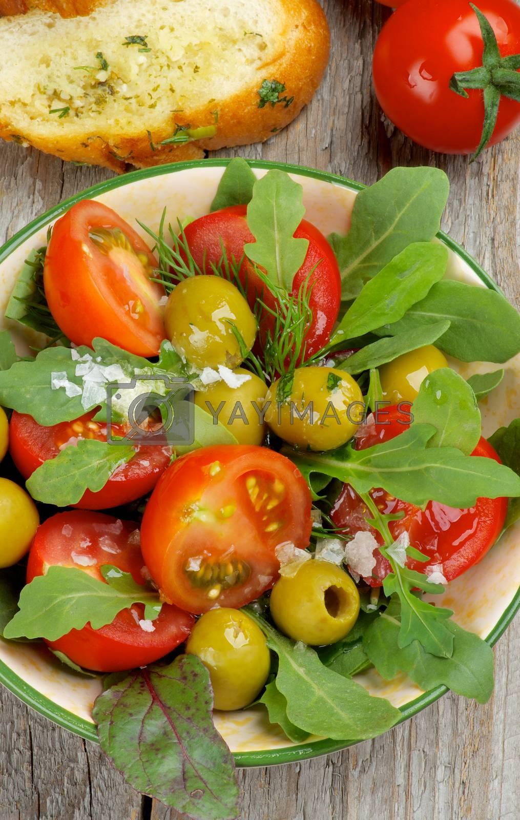 Tomatoes Salad by zhekos