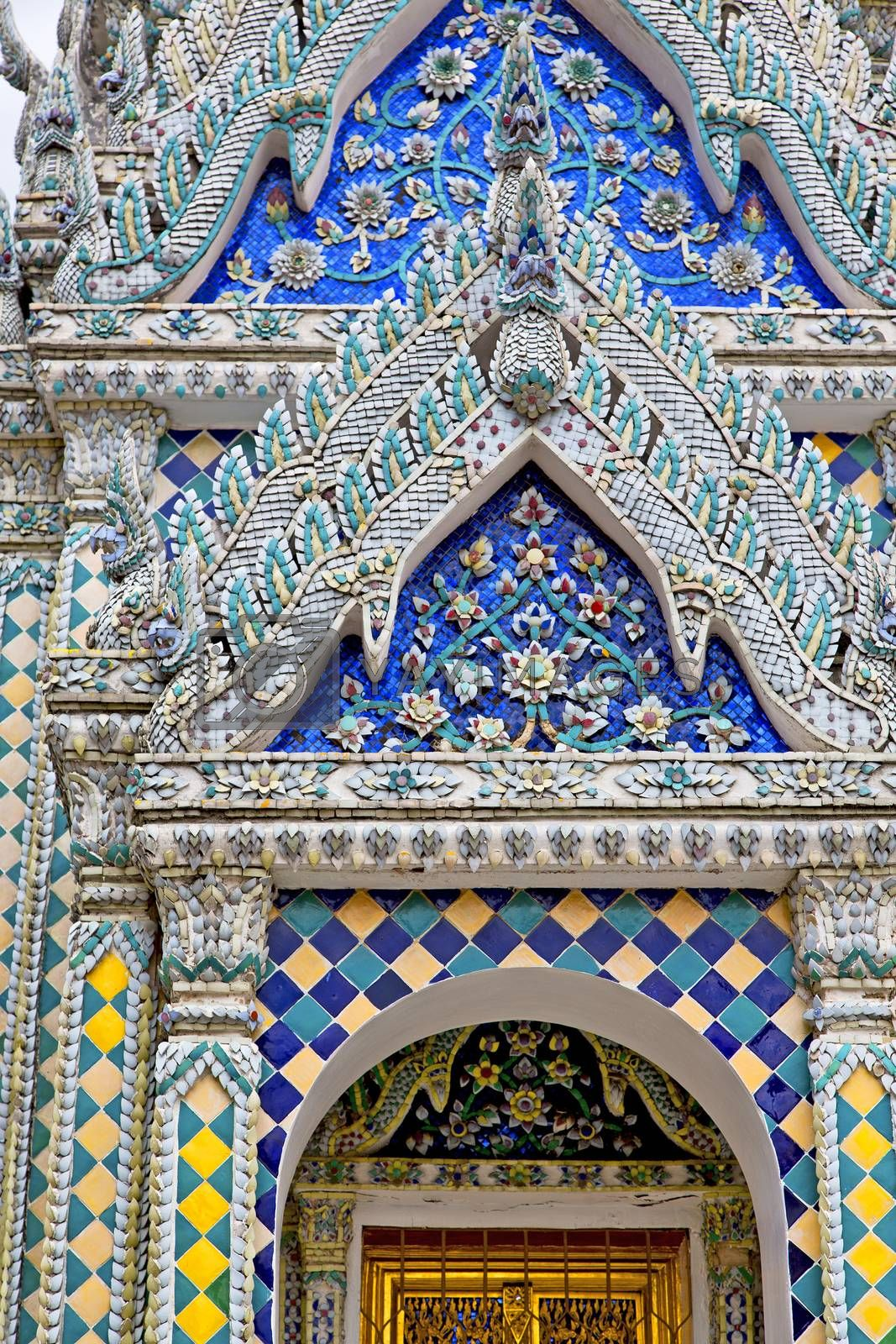 window   in    temple      thailand incision of the temple  by lkpro