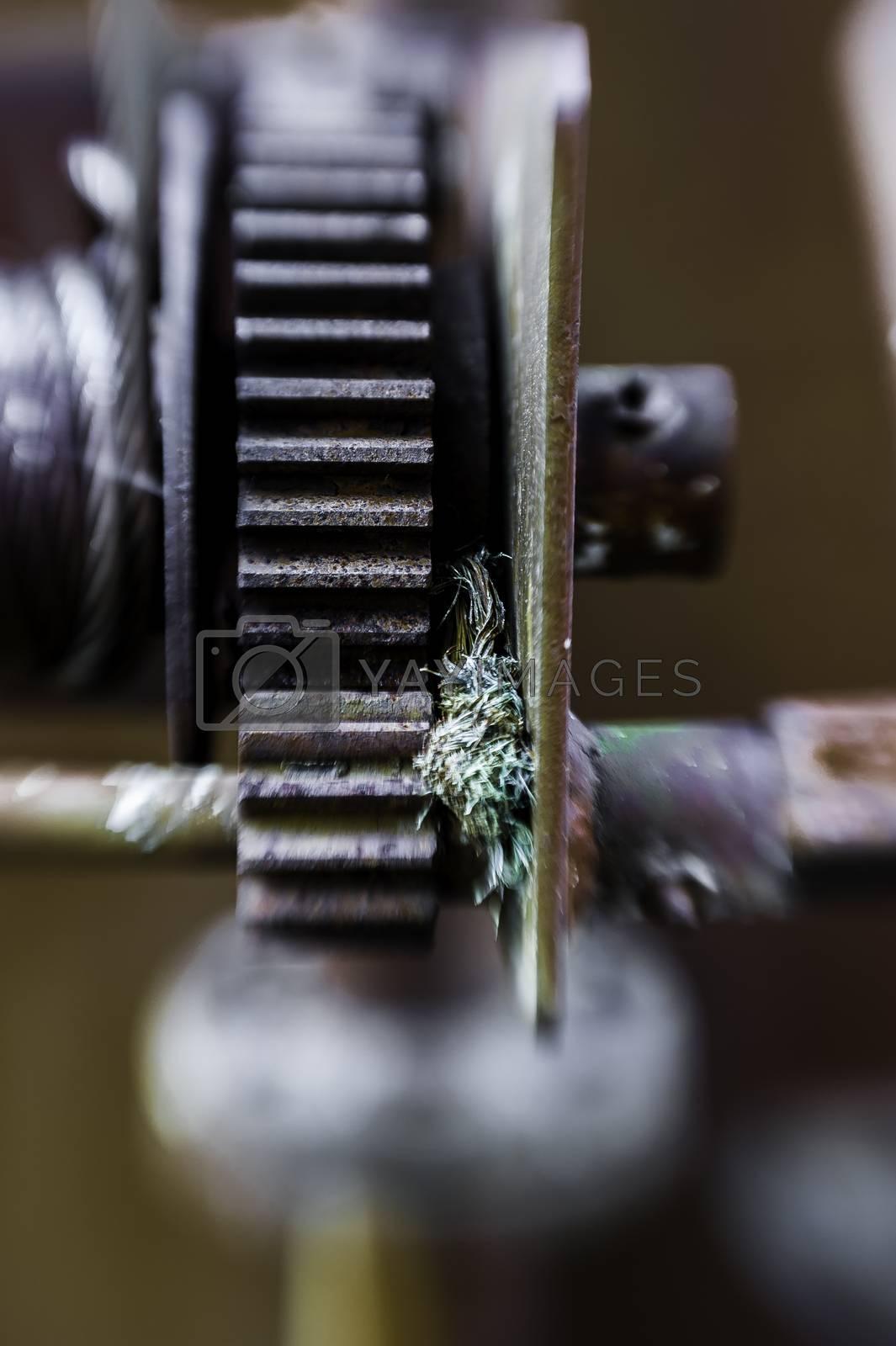 Gammelt tannhjul til vinsj. by vidar.fredheim@dabb.no