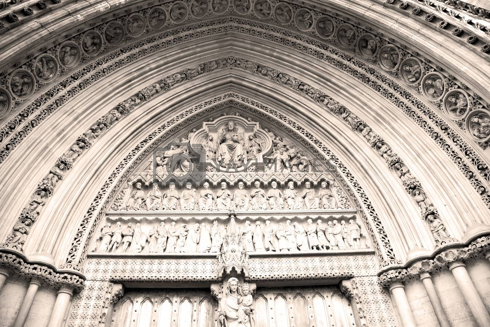 rose window weinstmister  abbey in london old church door and ma by lkpro