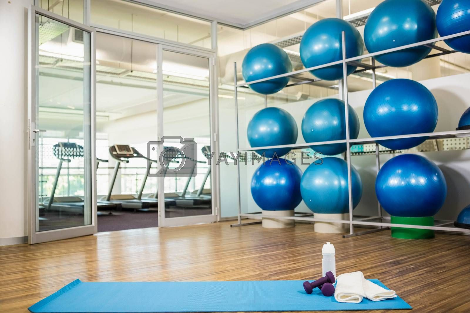 Gym with no people by Wavebreakmedia
