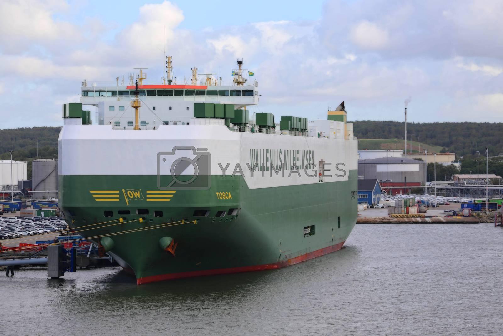 Bilskip ved kai i Gøteborg havn,trafikk,kommunikasjon,Traffic, communication