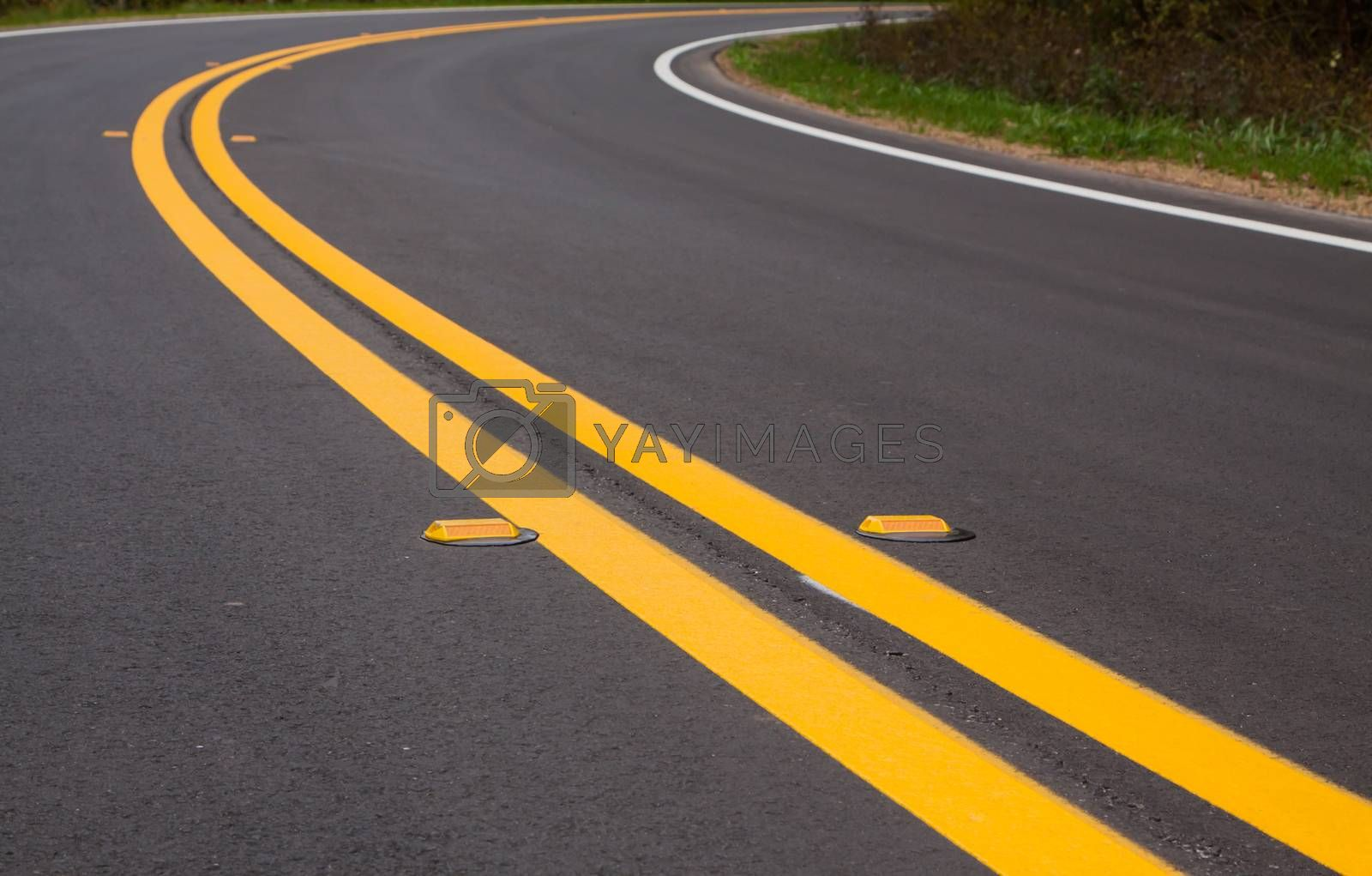 Roadway devider lines and markers by TravisPhotoWorks
