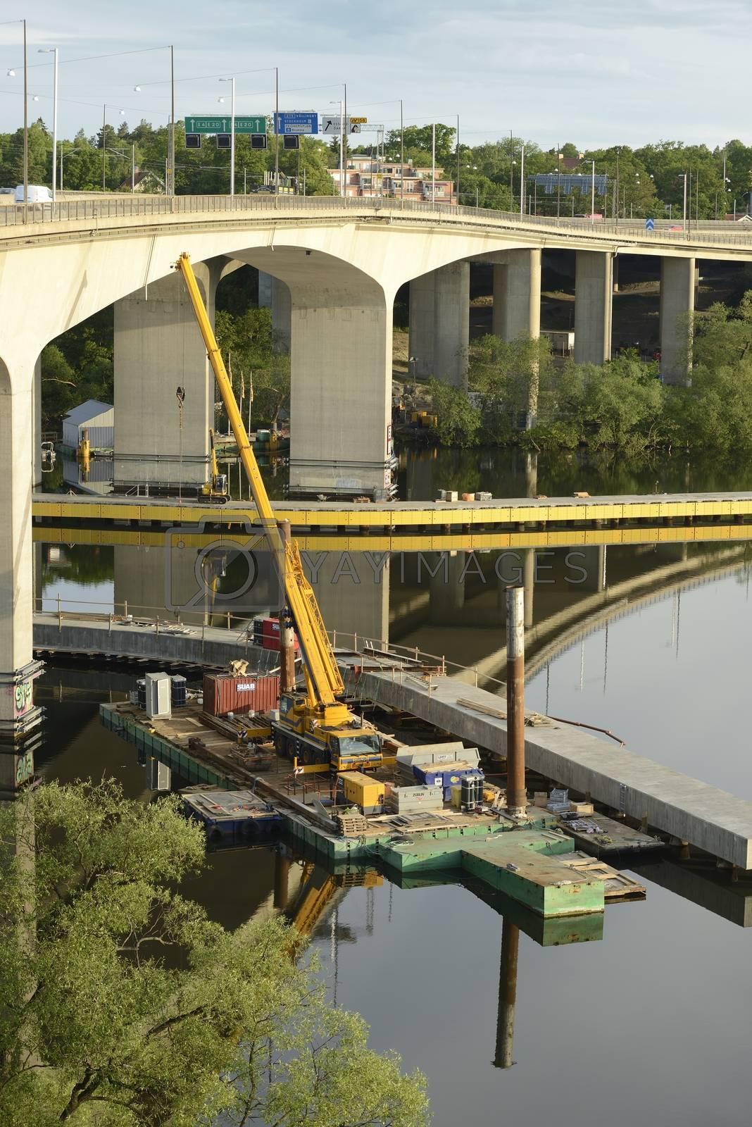 Fragment view of the bridge under reconstruction.