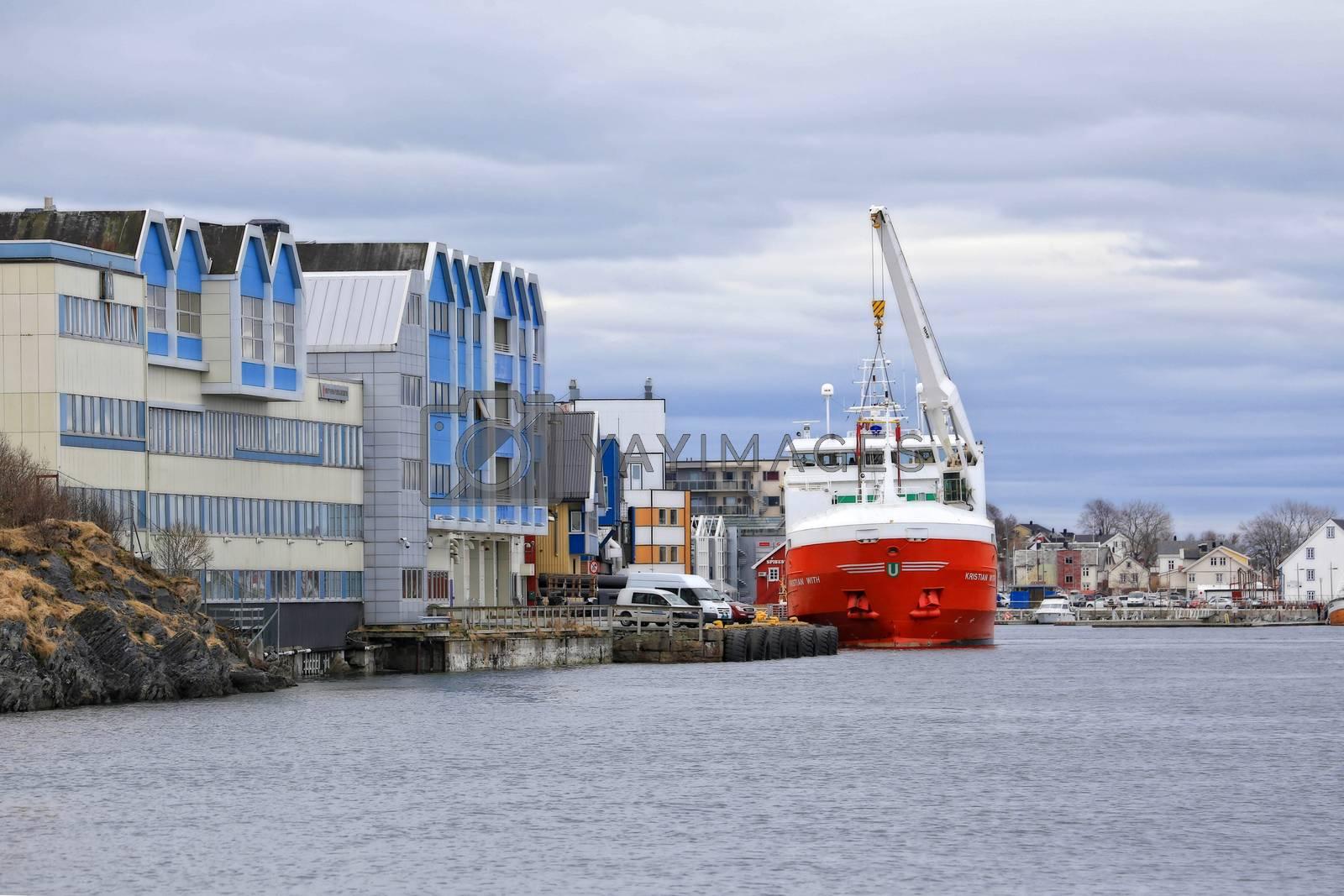 M.s Kristian With  losser i Brønnøysund - Vaagland Båtbyggeri AS på Nordmøre overleverte byggenummer 136 M/S «Kristian With» på ca. 2.737 tdw og 4345 m3 reeferkapasitet til Egil Ulvan Rederi AS