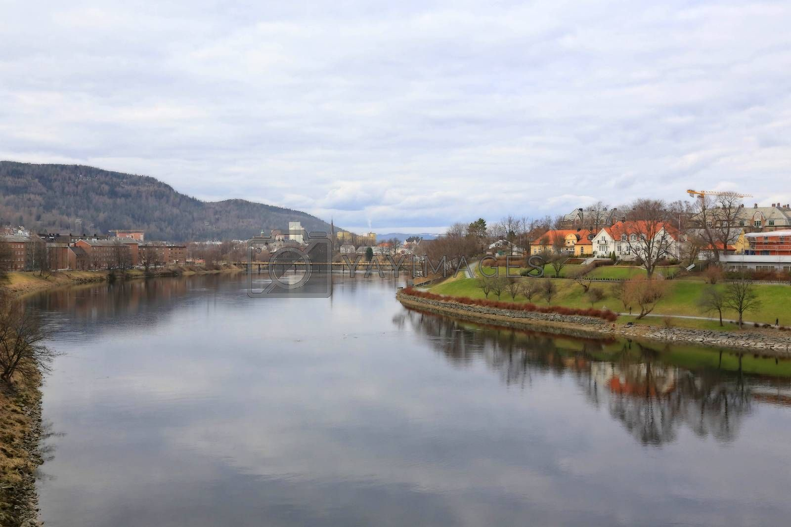 Rundtur i Trondheim en vårdag  - Nidelven