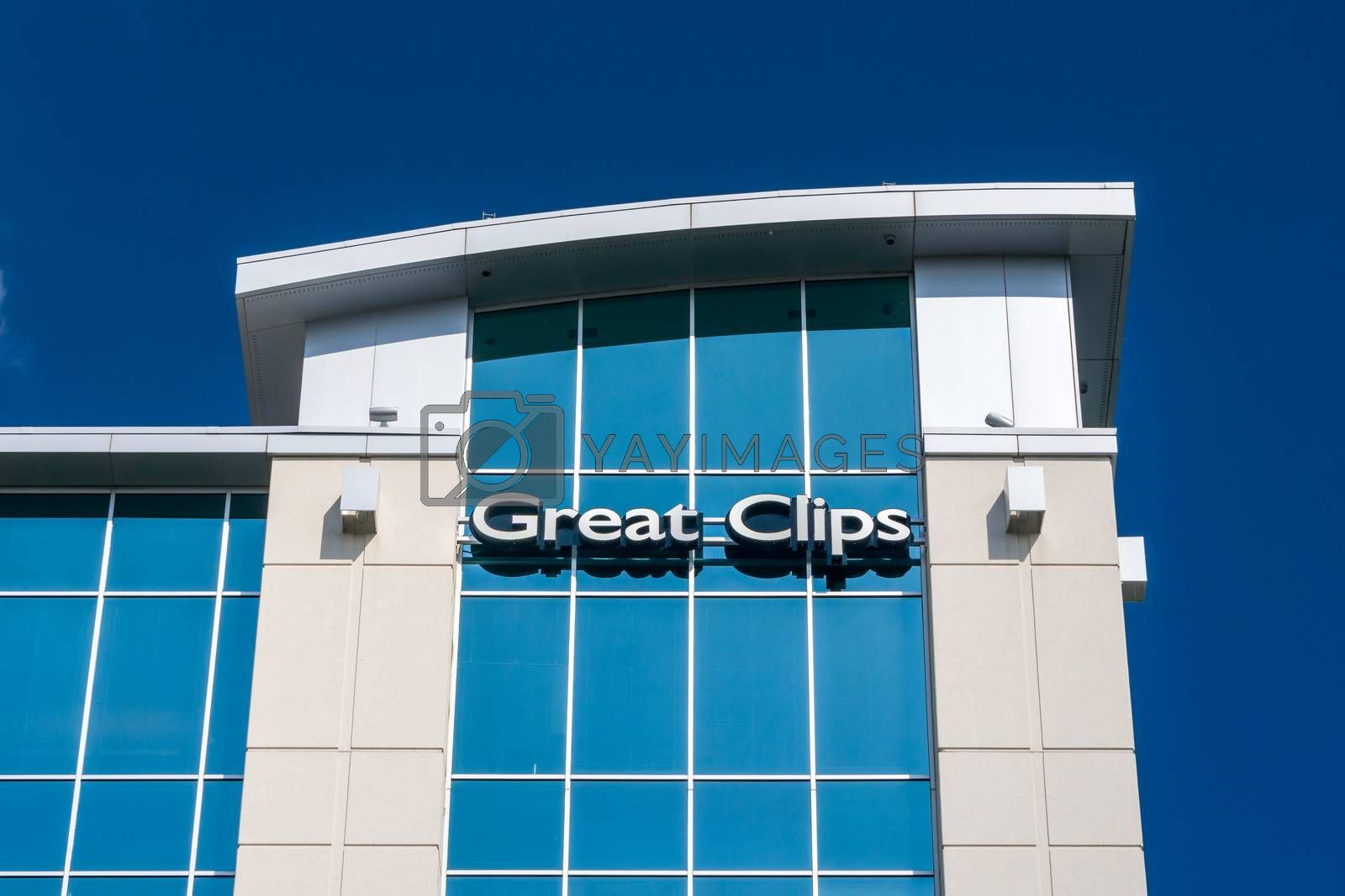 BLOOMINGTON, MN/USA - MAY 29, 2016: Great Clips corporate office headquarters. Great Clips is a hair salon franchise with over 3,700 locations across the United States and Canada.
