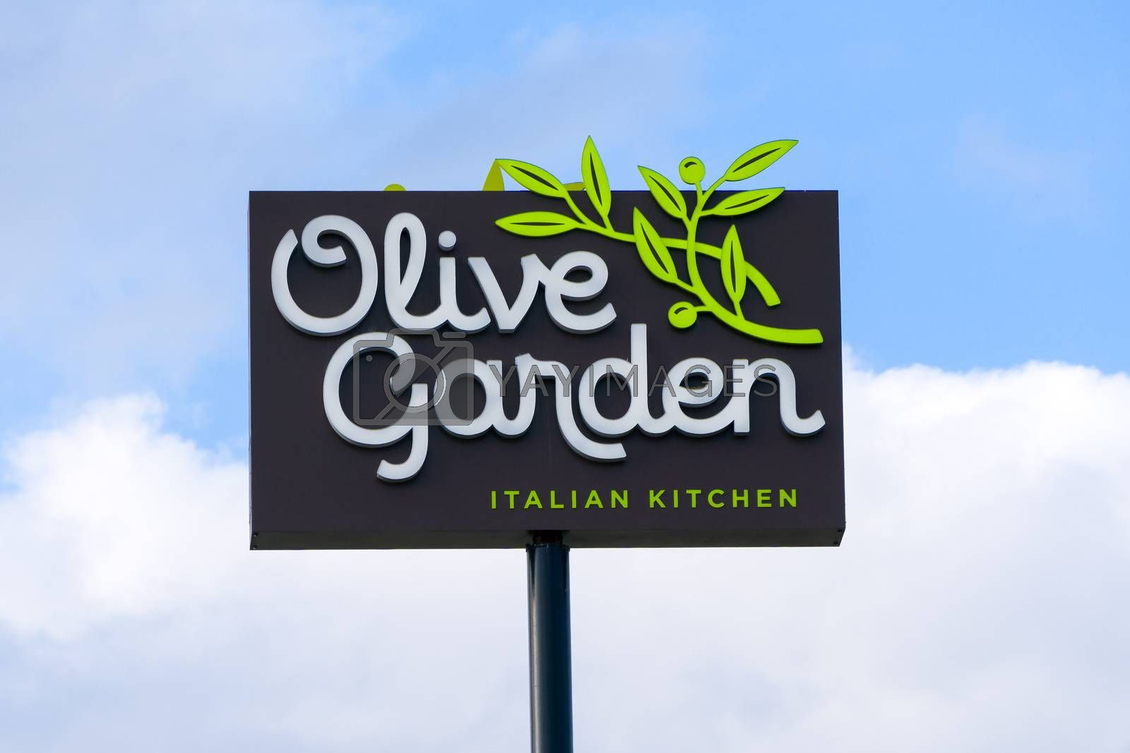 MOORE, OK/USA - MAY 20, 2016: Olive Garden Restaurant sign and exterior. The Olive Garden is an American casual dining restaurant chain specializing in Italian-American cuisine.