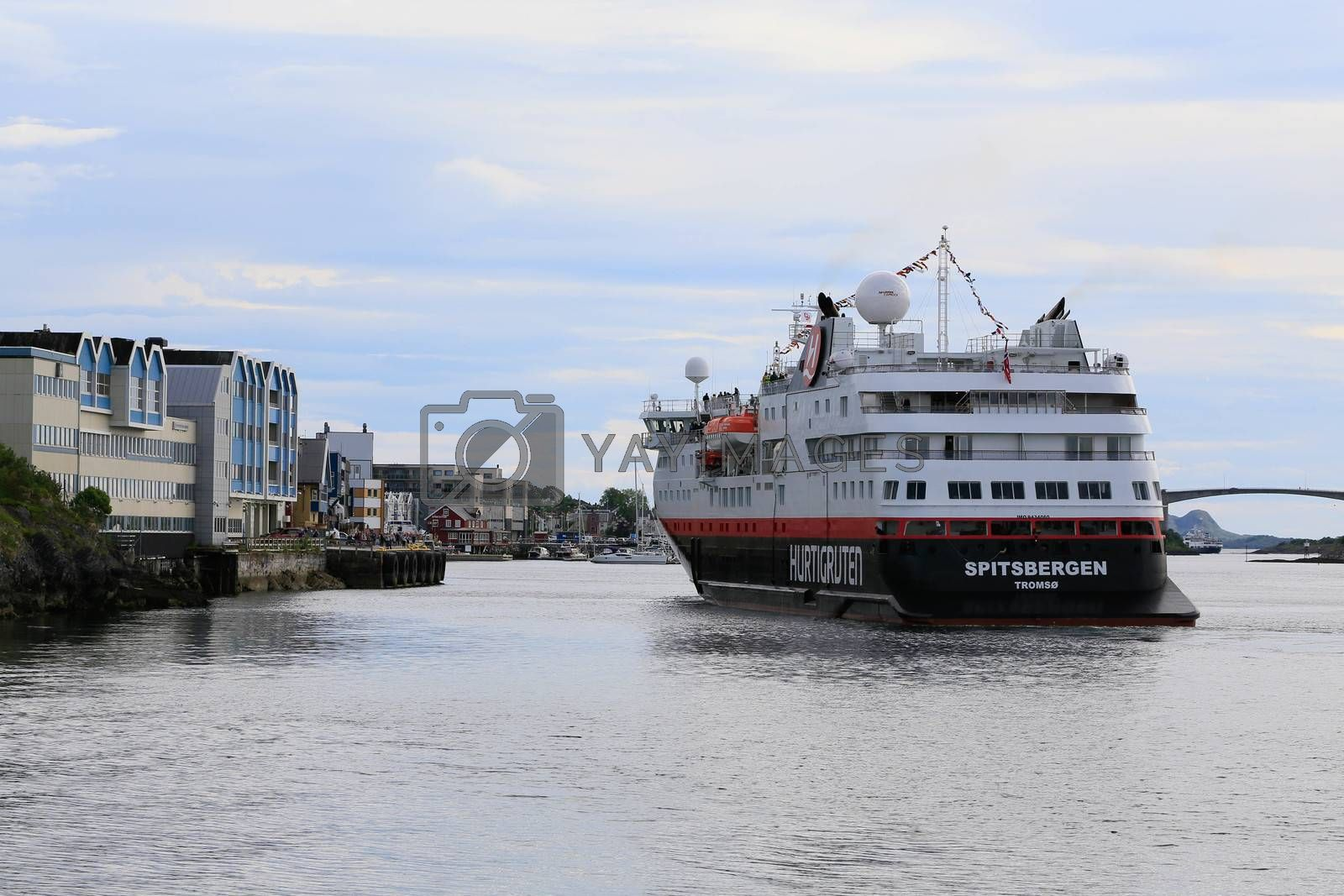 M.s Spitsbergen ankommer Brønnøysund