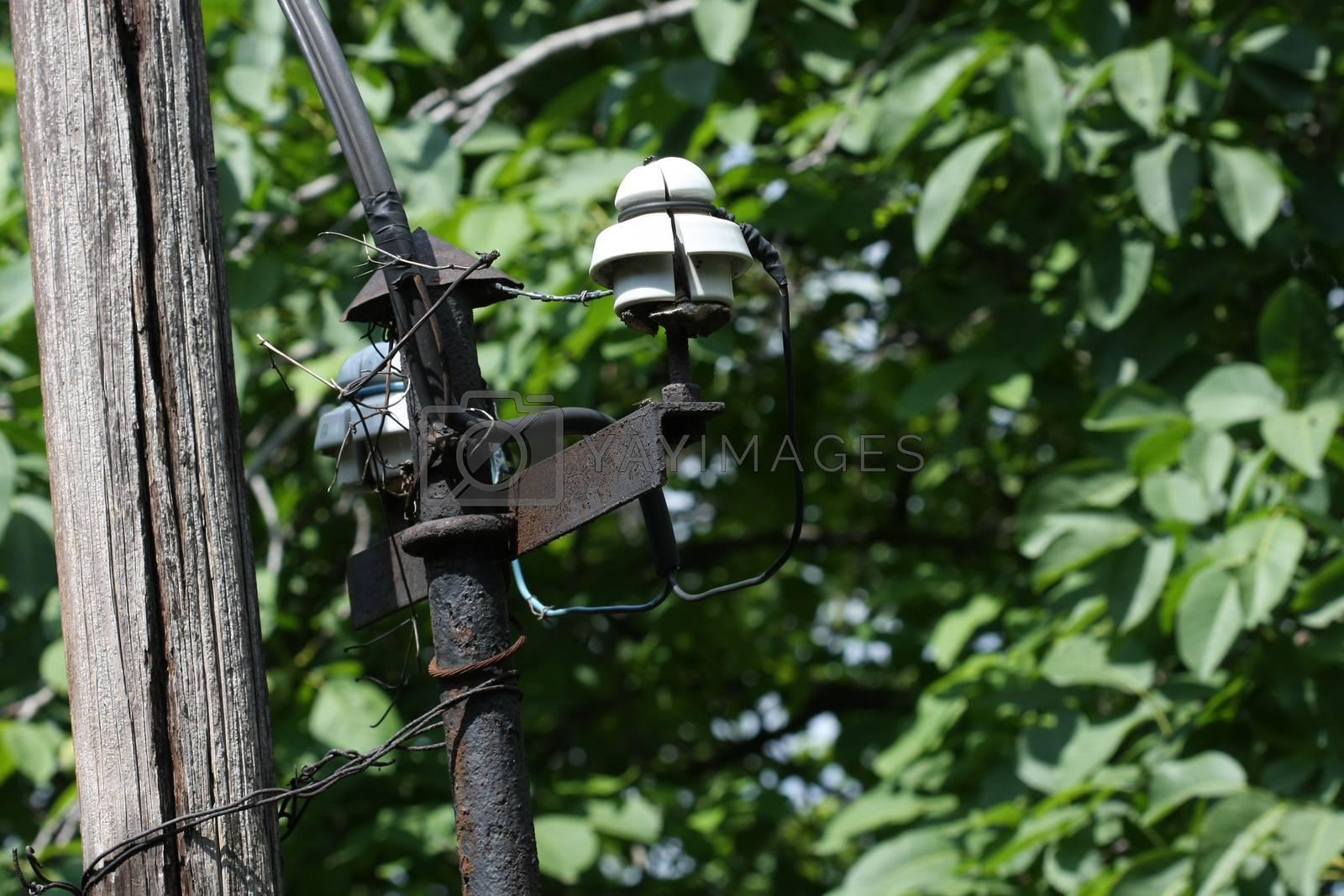 Affrightfu old electric installation still in use