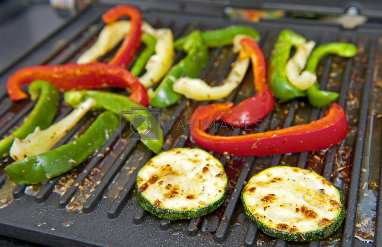 Courgette and pepper on the grill