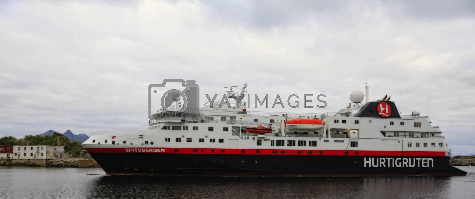 M.s Spidsbergen ankommer Svolvær