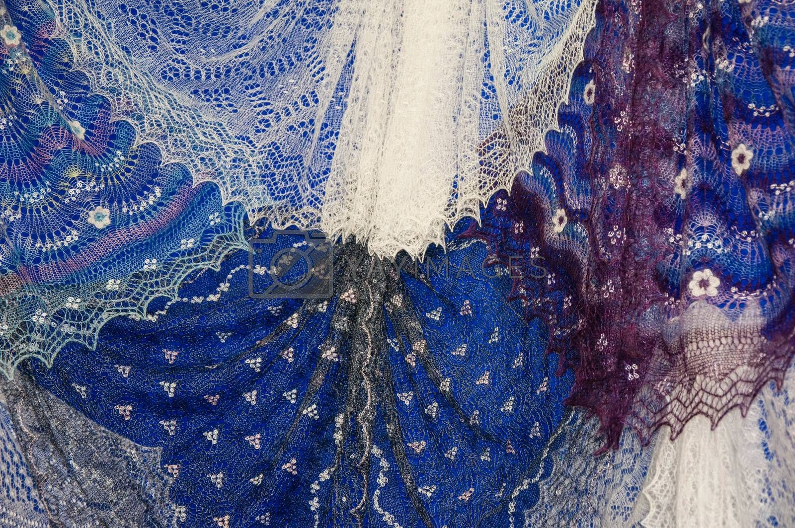 Patterns of the Orenburg downy shawl from delicate goat down